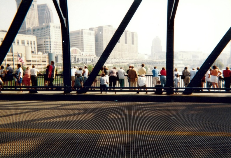 Crowd on Carter Road Bridge.jpg
