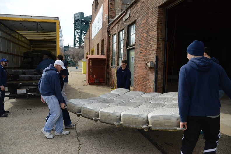 Case Men shifting the dock5.JPG